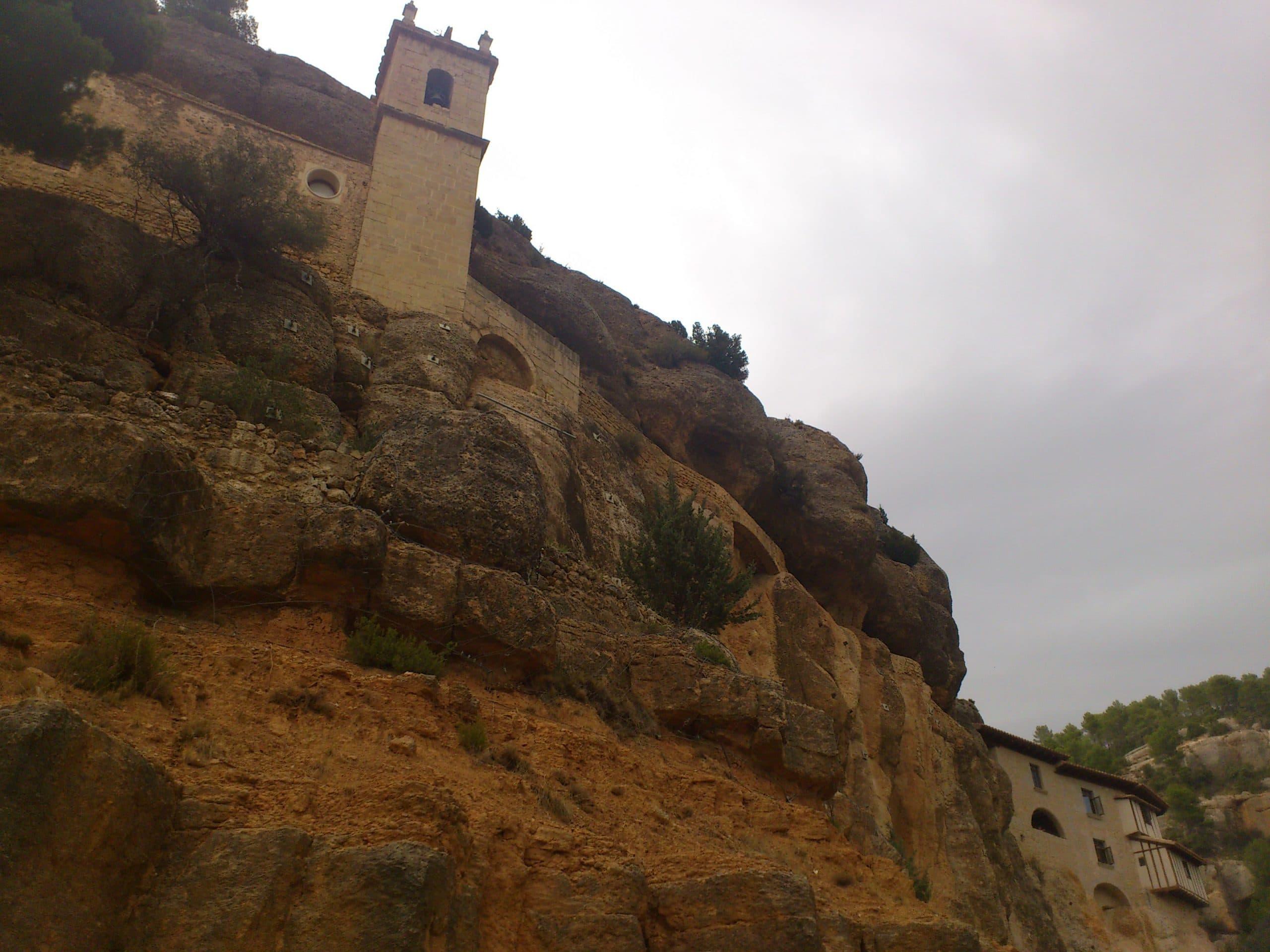 El Santuario de la Balma en Zorita del Maestrat.