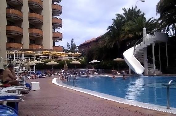 Hotel neptuno en gran canaria - Tumbonas gran canaria ...
