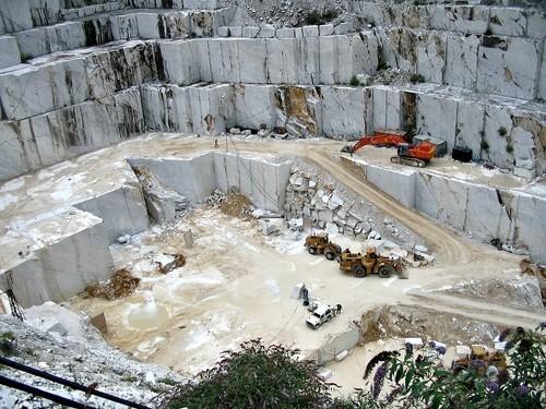 Carrara la ciudad del m rmol m s famoso del mundo for Marmol de carrara para cocinas