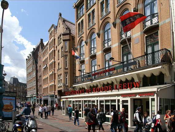 hoteles cerca a centros comerciales en amsterdam