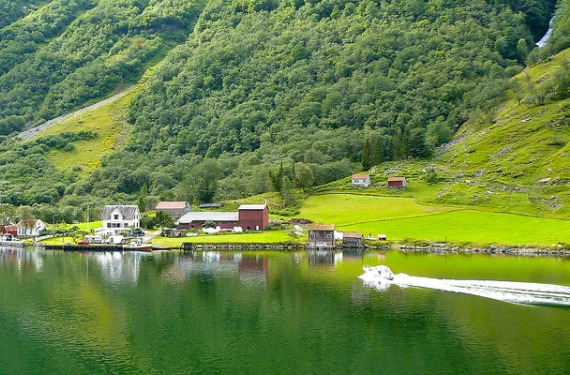 dais Noruega, espectacular destino natural en verano
