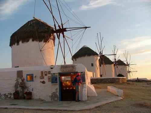 Tinos y sus antiguos molinos de viento for Piscina molino de viento y sombrilla