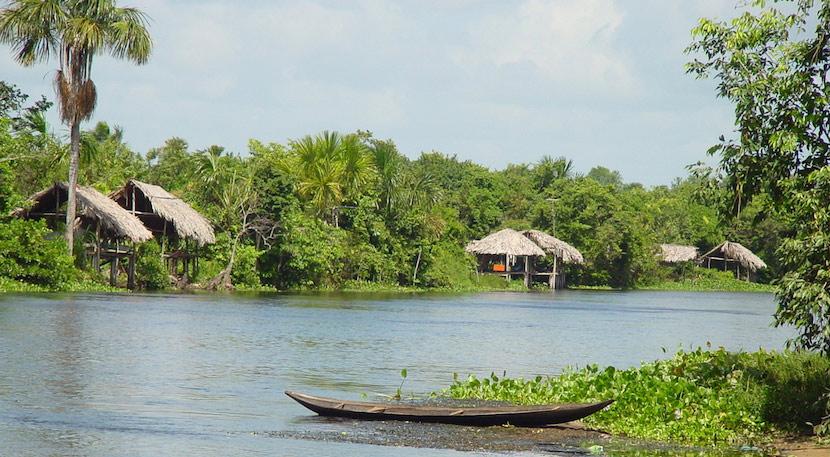 Transporte en canoas de los Warao
