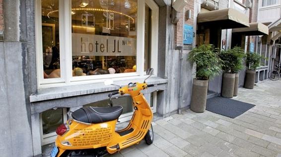 Hoteles llenos de encanto en amsterdam for Hoteles en el centro de amsterdam