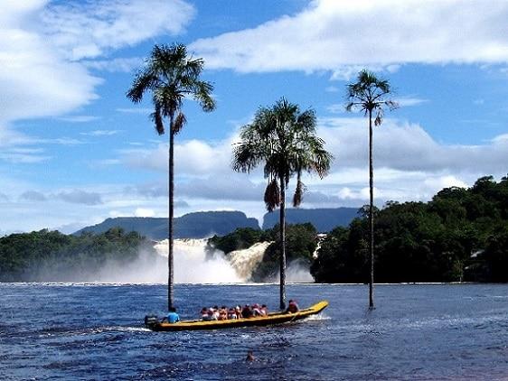 Laguna de Canaima en la Gran Sabana