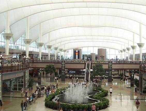 Aeropuerto Internacional de Denver es el más grande de los Estados Unidos y el tercer aeropuerto más grande del mundo