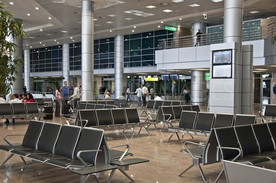 Una de las salas de espera del aeropuerto
