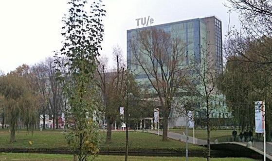 Frontis de la Universidad Técnica de Eindhoven