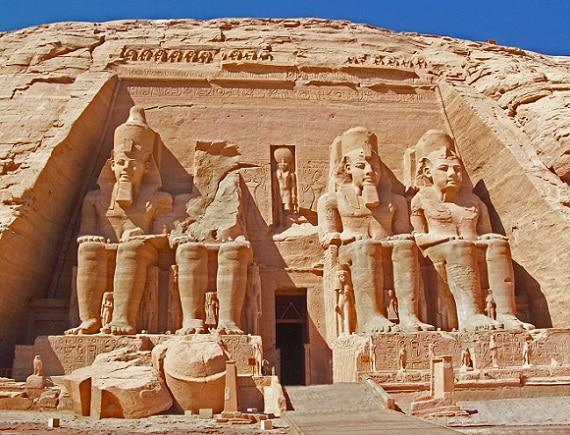 Impresionante frontis del Templo de Ramses II