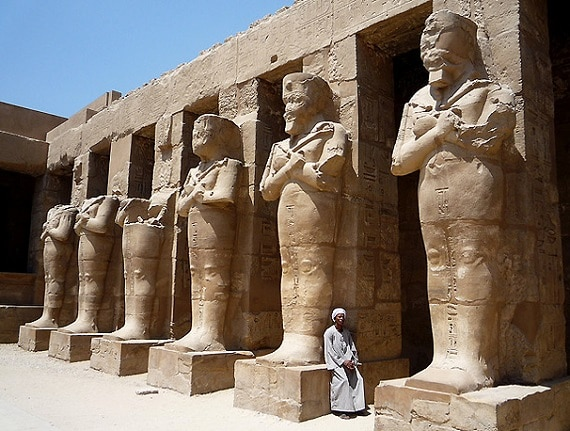 Impresionantes estatuas del Templo de Karnak