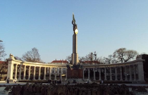 Monumento a los Heroes del Ejército Rojo