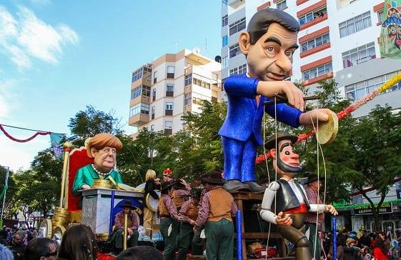 Festivo desfile carnavalesco por las calles de Loulé