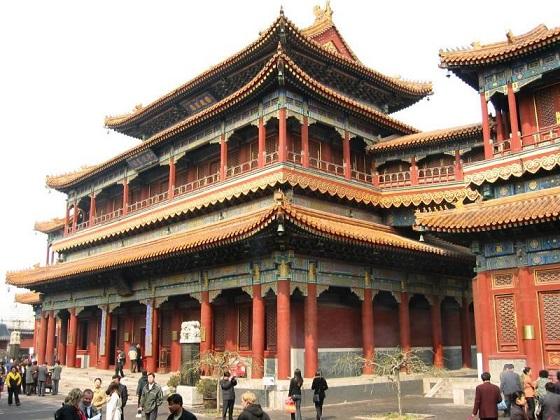 El Templo Lama es uno de los monumentos budistas más importantes de Pekín (China). Fue establecido bajo la dinastía Qing.