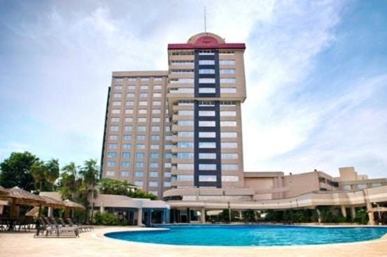 crowne-plaza-hotel-maruma