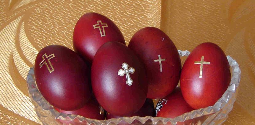 huevos-de-pascua-rojos