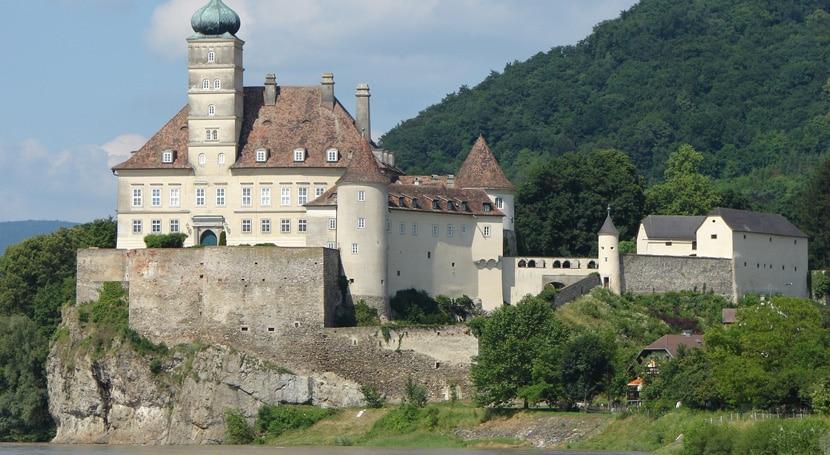 castillo-schoenbuehel
