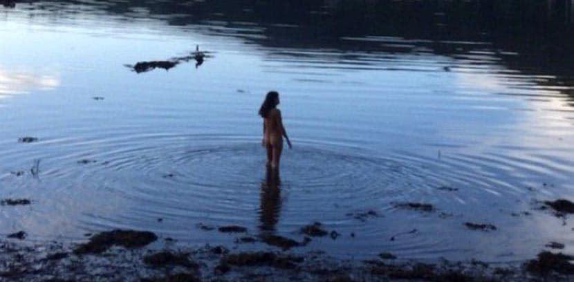 La Actriz Michelle Rodriguez Se Desnuda En Irlanda