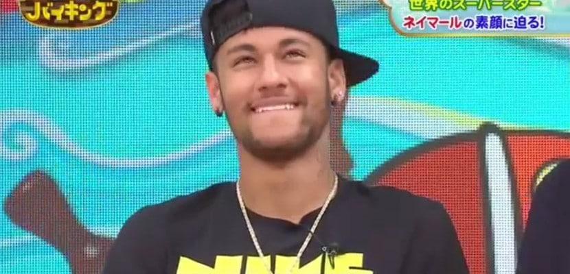 Neymar durante una entrevista en Japón
