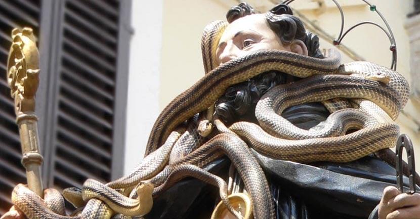festiva-lde-la-serpiente-en-cocullo
