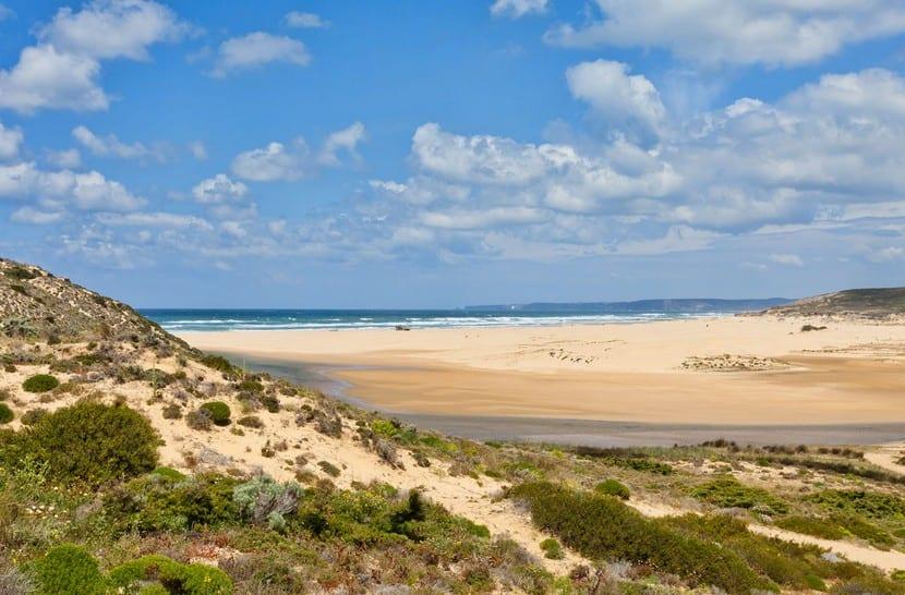 Praia da Bordeira y Praia do Amado