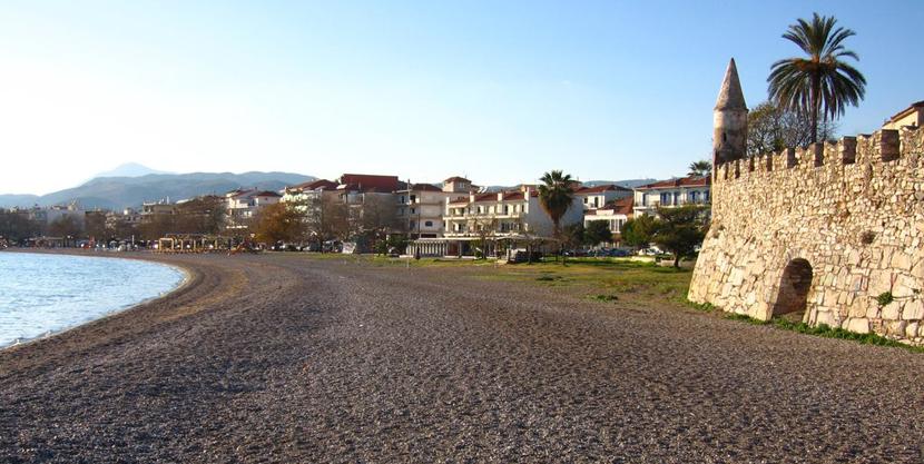 Playa céntrica de Nafpaktos