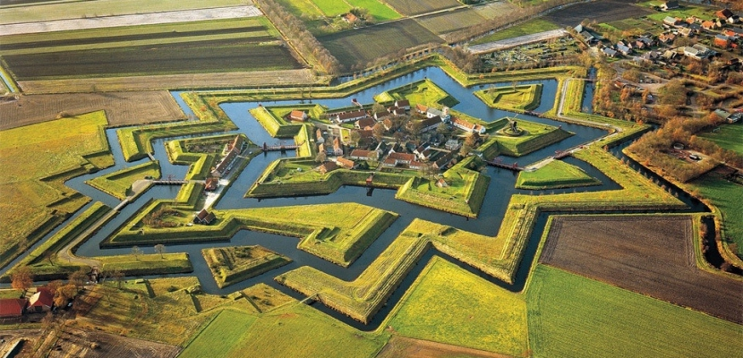 Fuerte-Bourtange-en-Groningen-Holanda