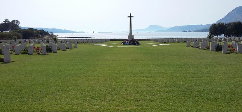 cementerio-de-la-bahia-de-suda
