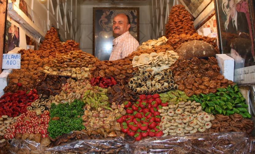 Vendedor de un puesto en marruecos, obligado regatear
