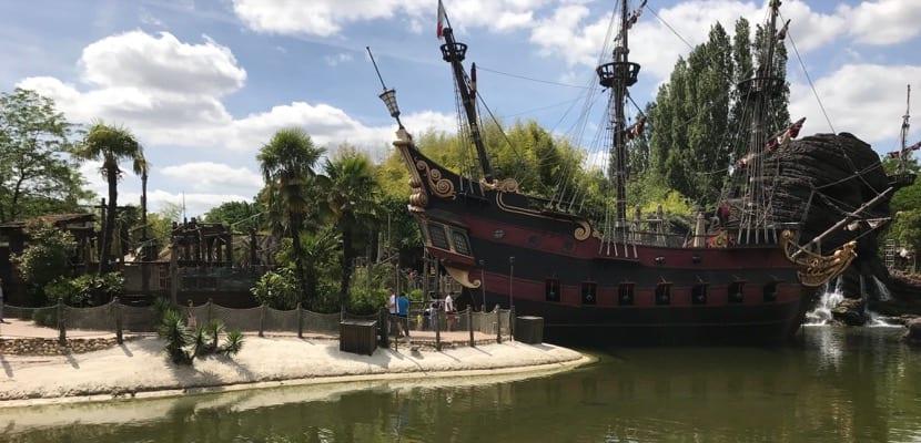 Barco pirata Disney
