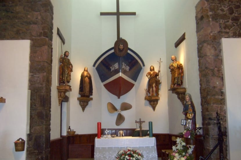 Interior de la ermita de san juan de gaztelugatxe