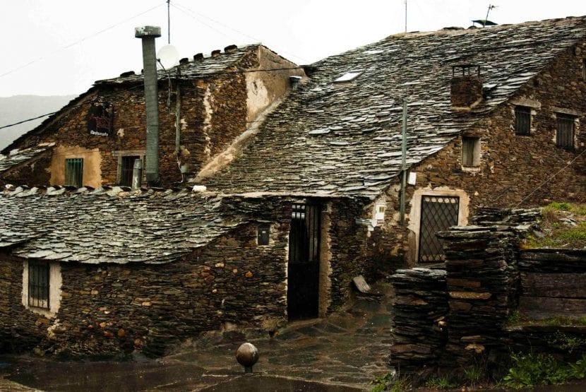 El trayecto de la ruta de los pueblos negros en guadalajara - Casas de pueblo en guadalajara ...