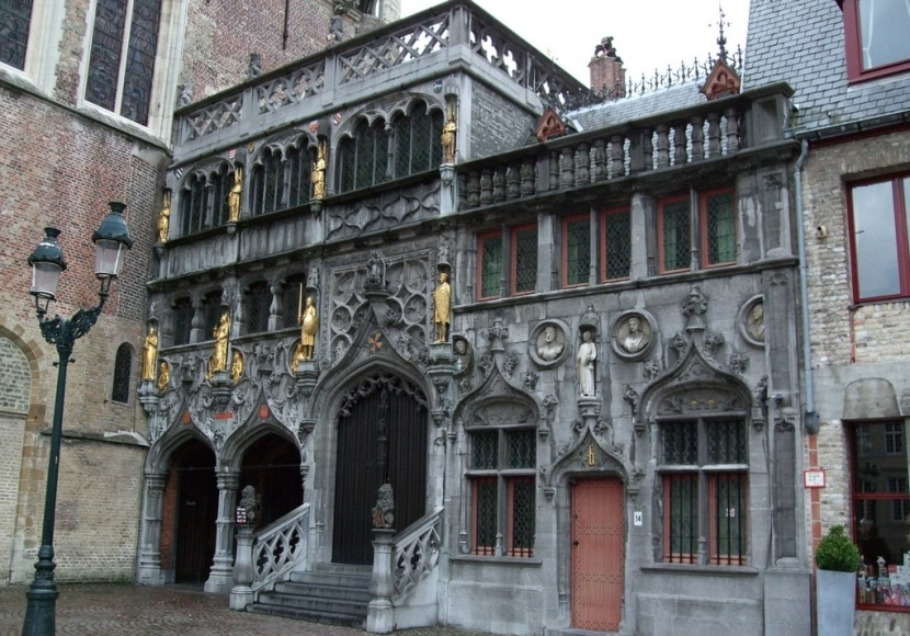 Basílica Santa Sangre de Brujas
