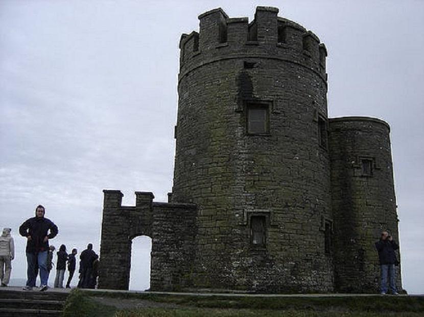 Entrada Torre O´Brien