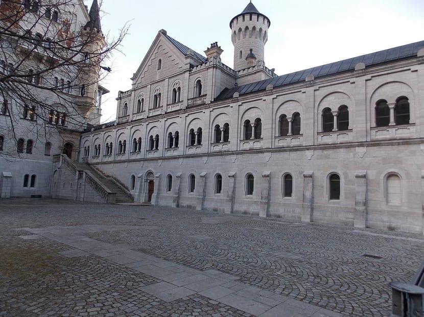 Patio interior castillo Neuschwanstein