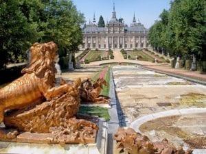 Fuentes y jardines del palacio de Segovia