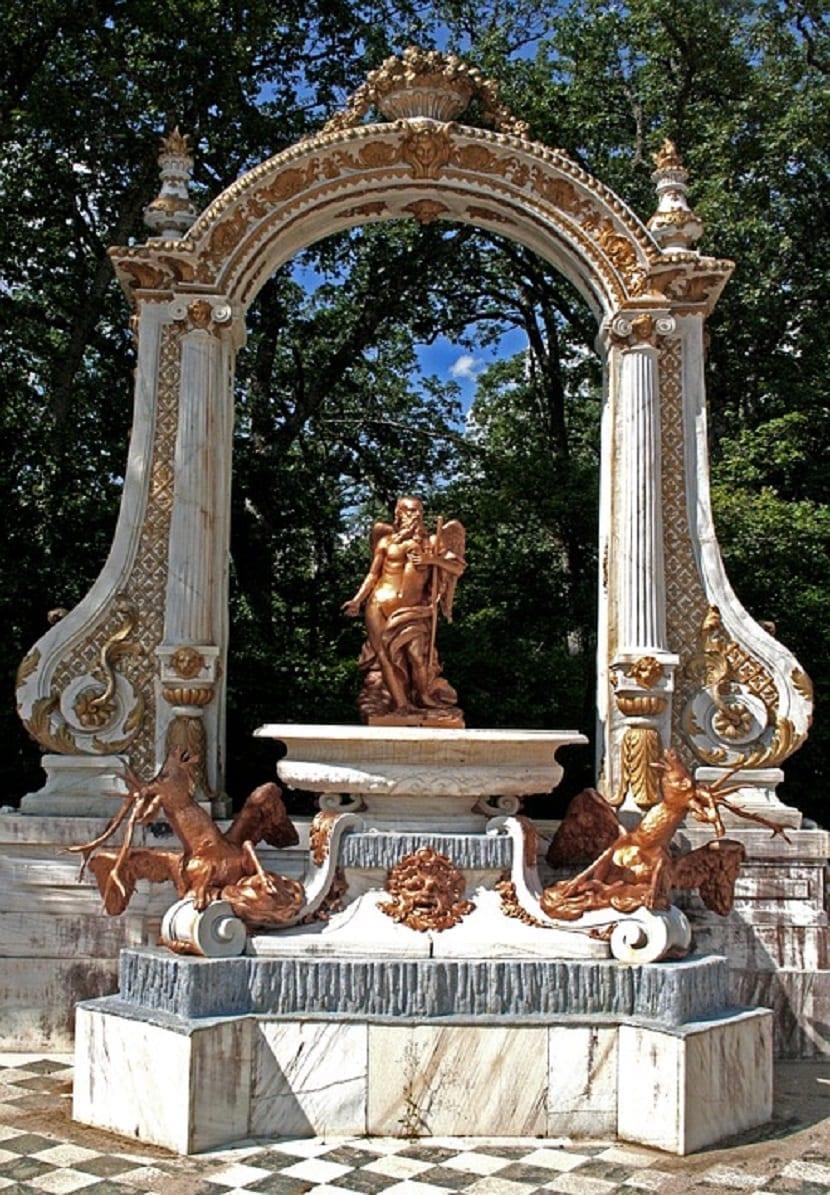Fuentes principales en el Palacio de Segovia
