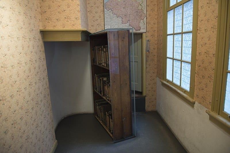 Entrada de acceso a la Casa de Ana Frank