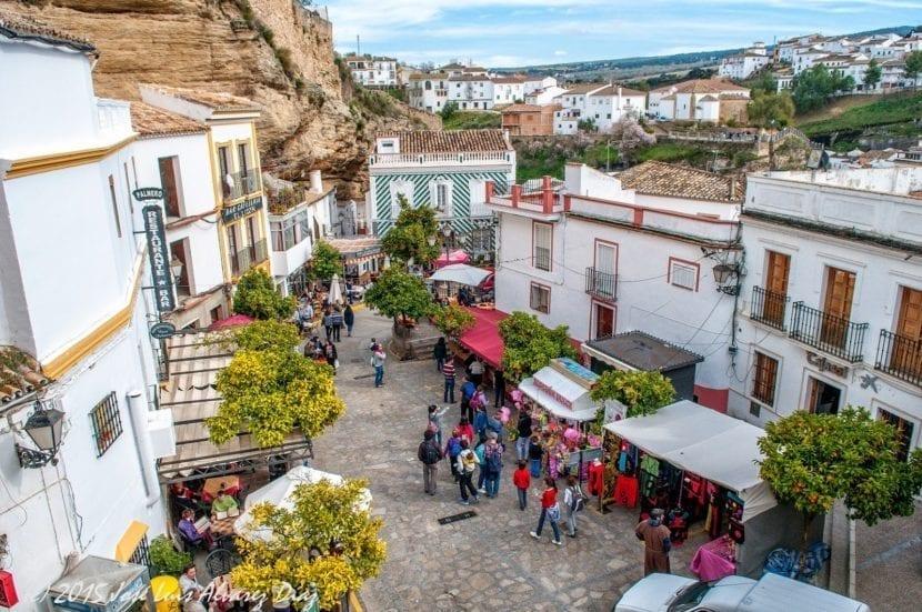 Plaza Andalucia de Setenil de las Bodegas