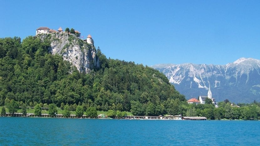 Castillo de Bled junto al lago