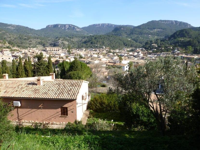 Vista del pueblo de Esporles