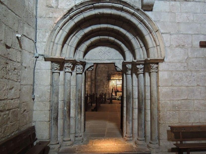 Puerta Monasterio