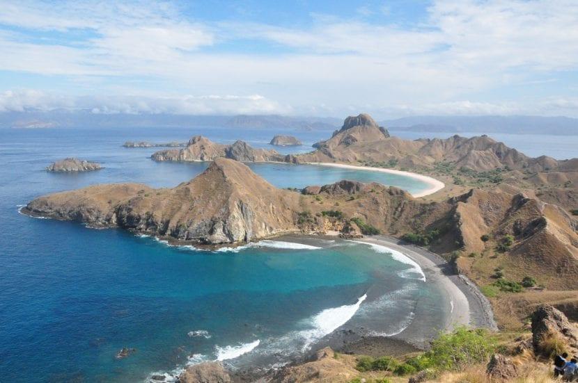 Panorama de las playas de Isla de Komodo