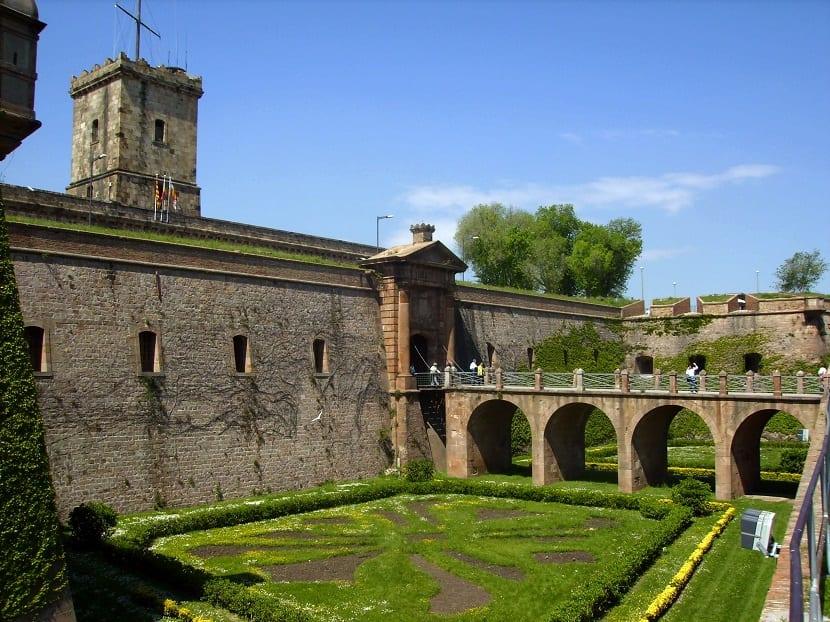 horarios castillo montjuic barcelona