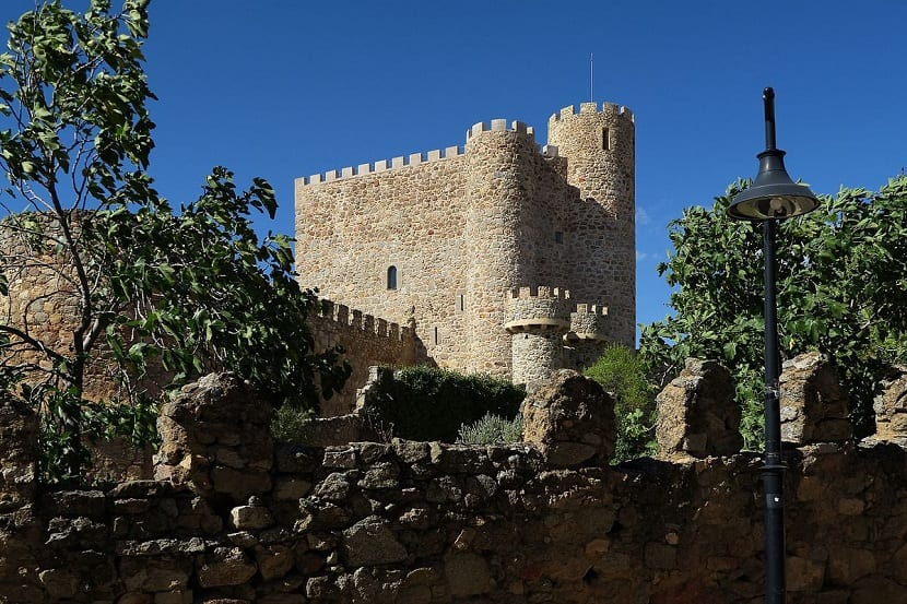 castillo san martin de valleiglesias