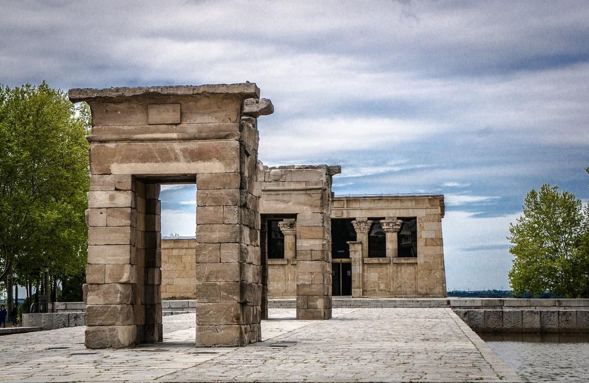 partes templo debod