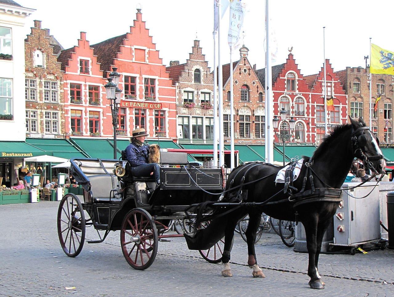 Un coche de caballos de Brujas