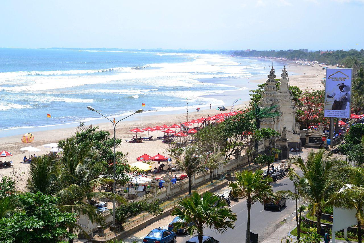 Vista de la playa de Kuta