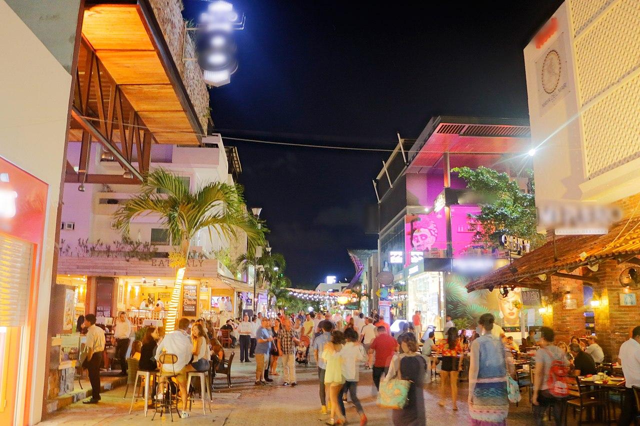 La Quinta Avenida de Playa del Carmen