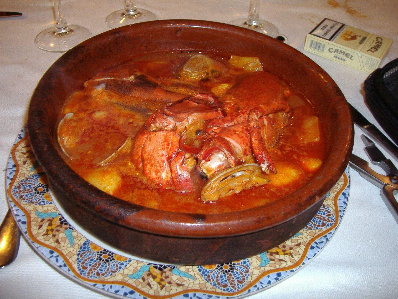 Cazuela de suquet de pescado