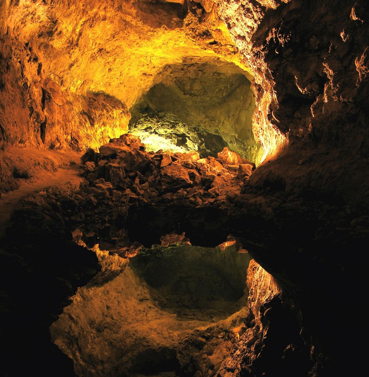 que ver en la cueva de los verdes